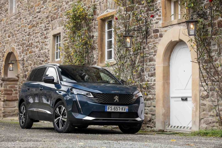 Chrysler's Survival Probably Depends on Peugeot and DS